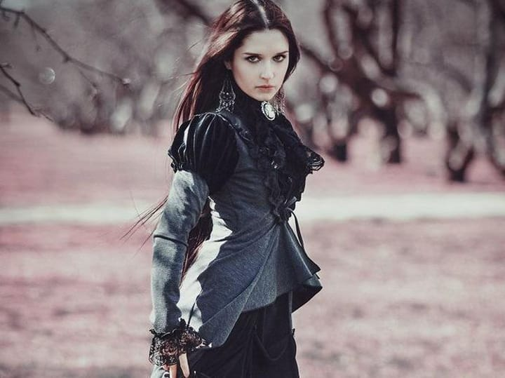 The Classic Clothing Guide: How To Dress Like A Victorian Goth