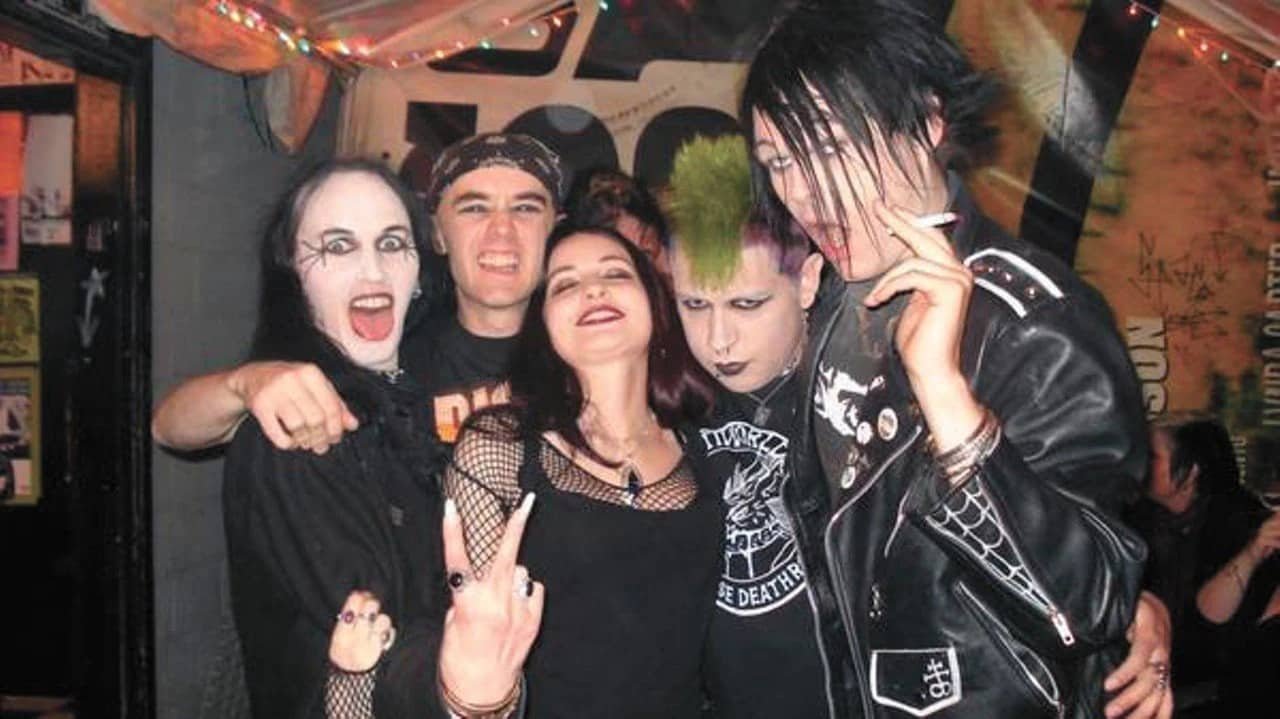 How to Get into the Goth Scene
