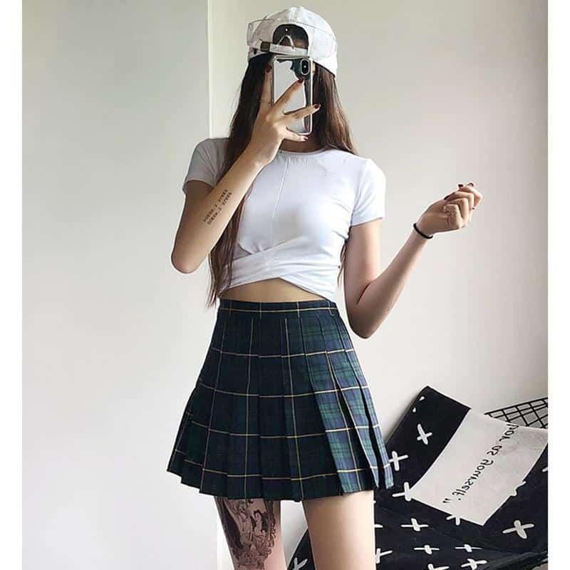 Retro Ladies Pleated Mini Skirt - The Black Ravens