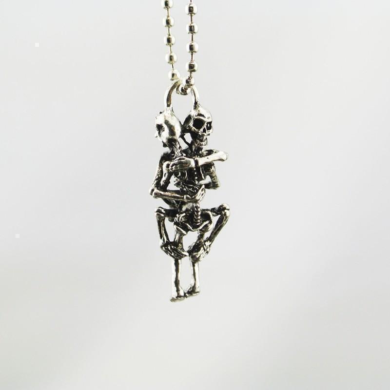 Stunning Unisex Gothic Love-Making Skeletons Pendants - The Black Ravens