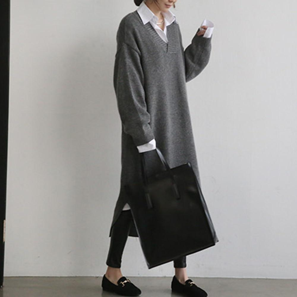 Stylish and Cozy Knitted Office Dress - The Black Ravens